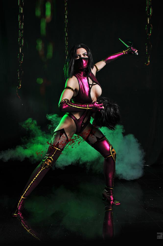 mileena_and_kitana_mortal_kombat_cosplay_by_asherwarr4