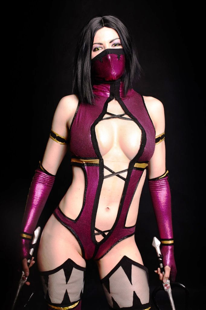 mileena_and_kitana_mortal_kombat_cosplay_by_asherwarr6