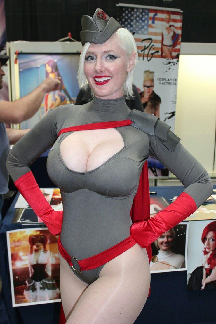Powergirl Cosplay – Vegas-PG
