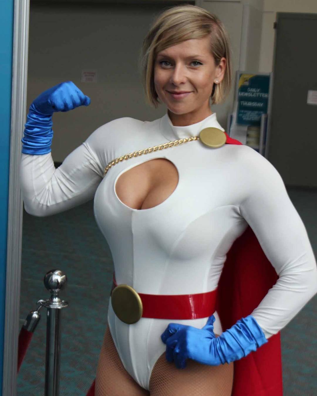 Powergirl Cosplay – irena_jackson