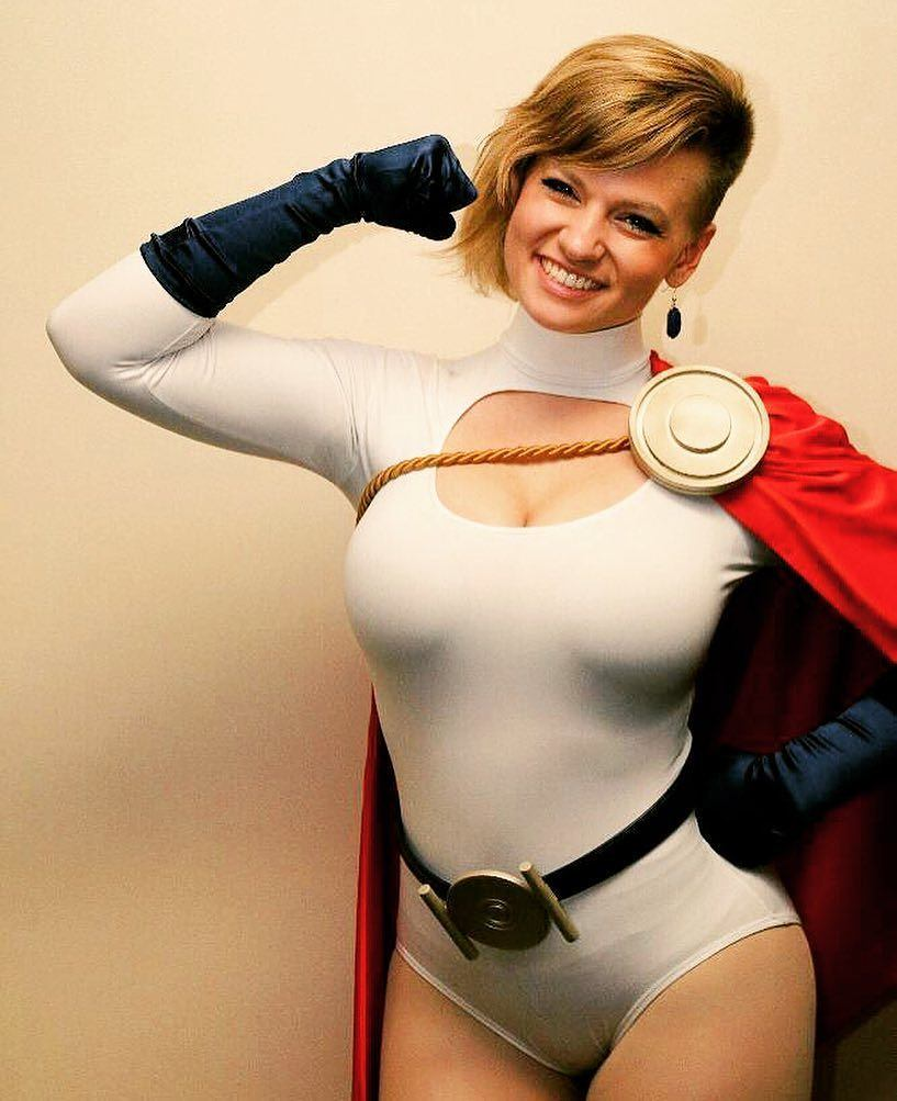 Powergirl Cosplay – miss_mad_love – Photo by tropicaleaglephotography