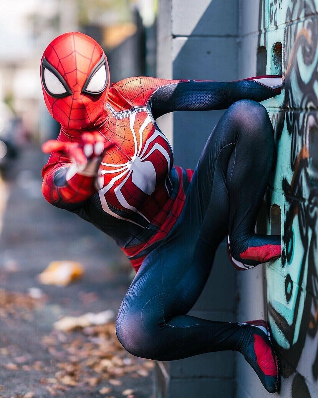 spiderman cosplay by vixiecosplay Photo by jeffjenkinsphotography