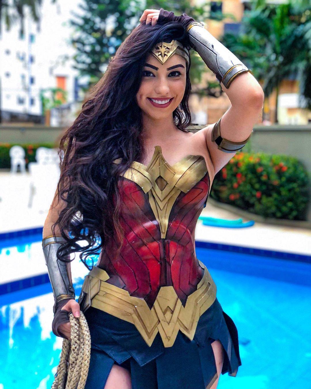 Wonderwoman Cosplay by juulianalopez